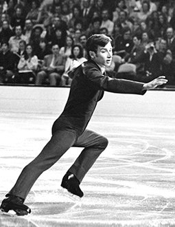 Ken Shelley performs in a singles competition.